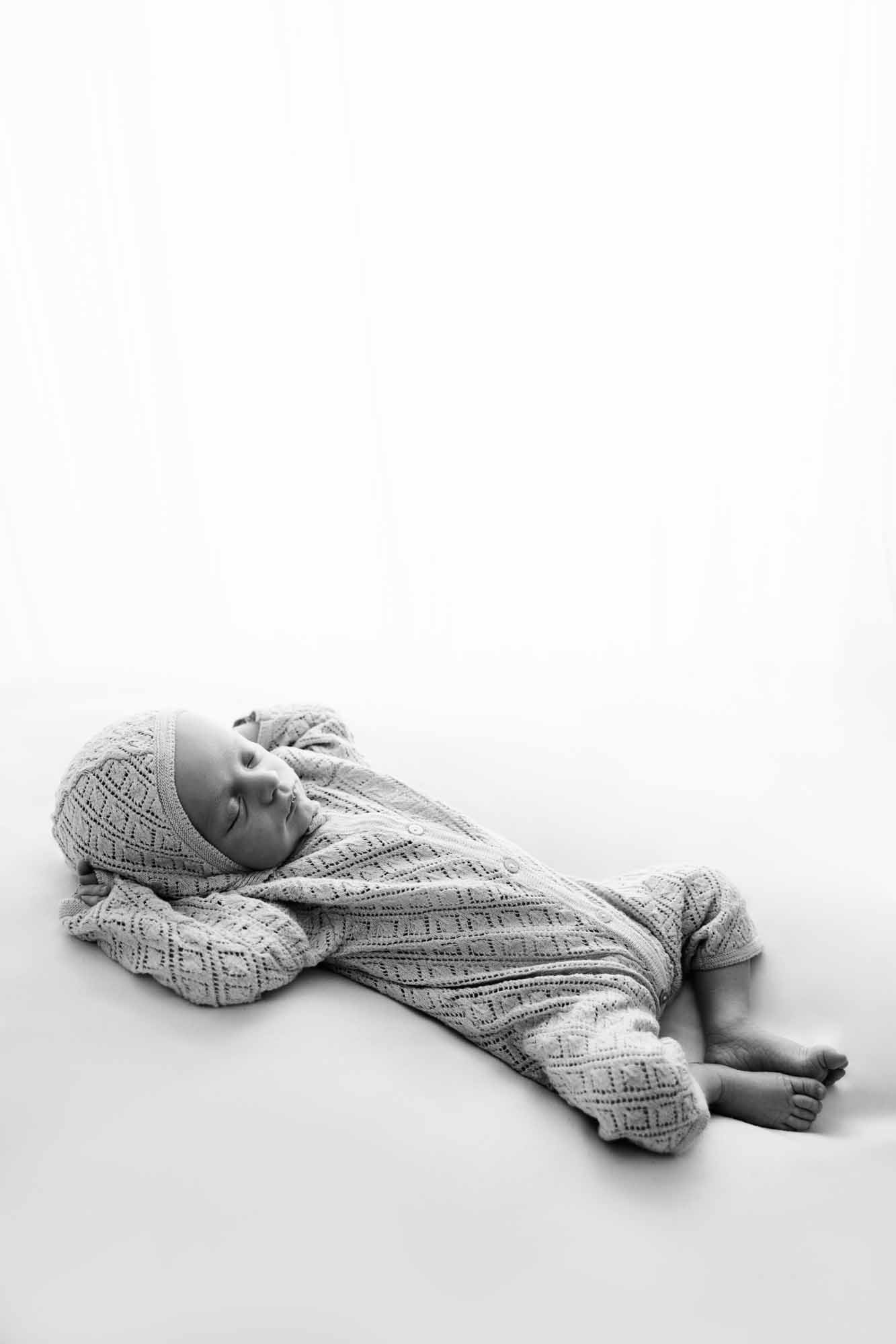 Newborn Photography by Canvas and Peach-10