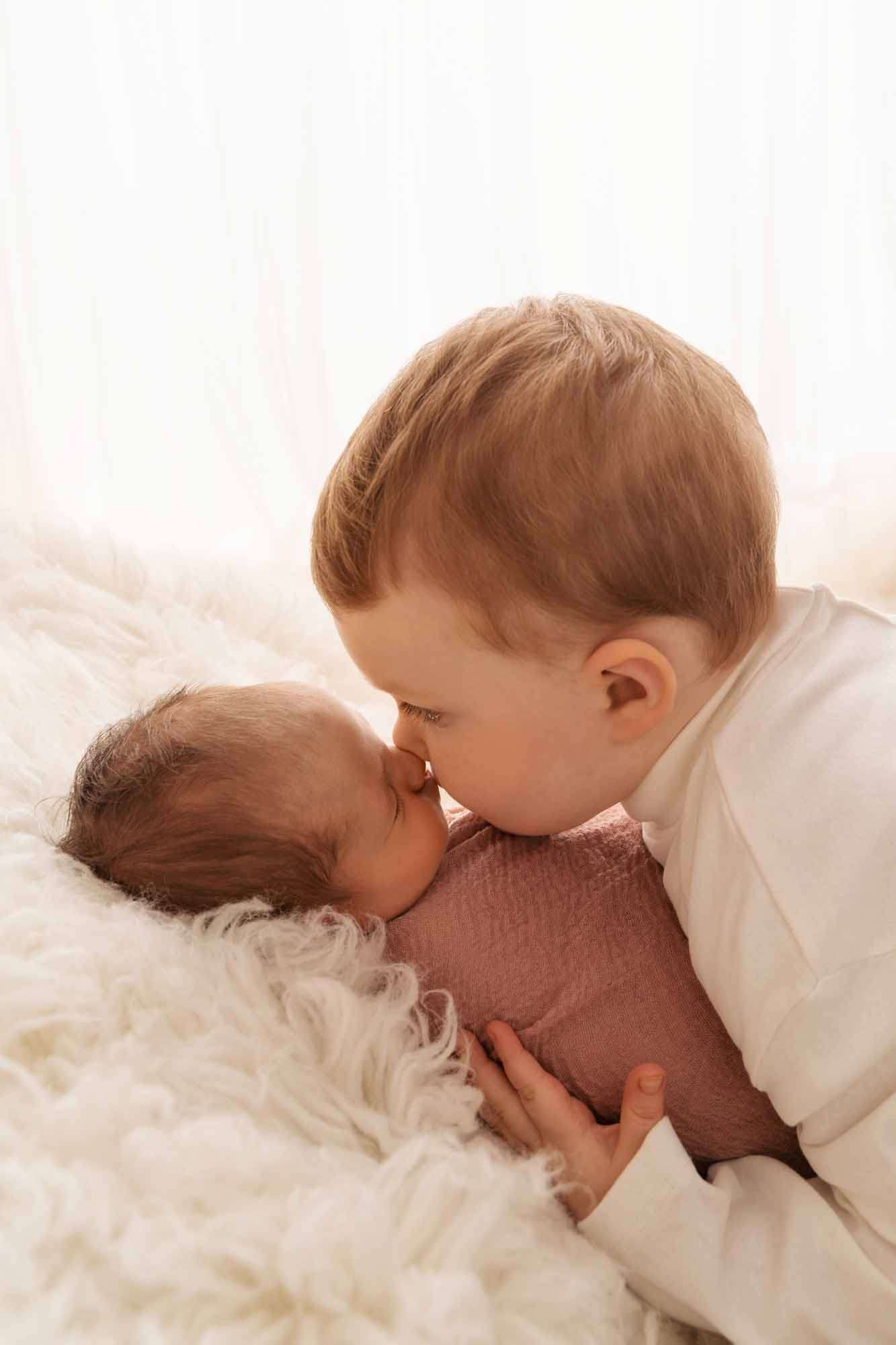 Newborn Photography by Canvas and Peach-25