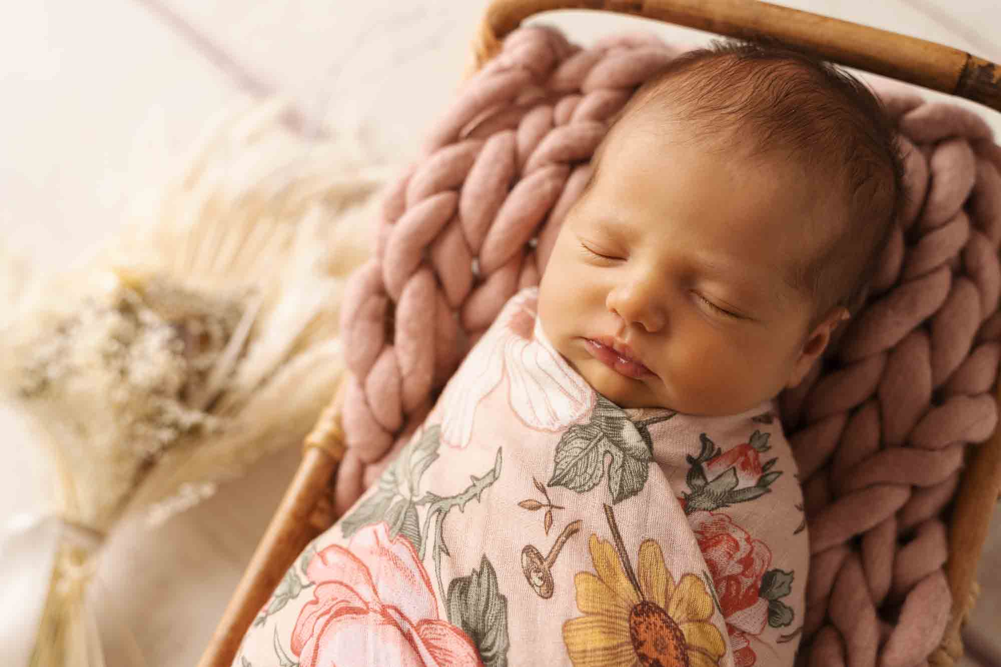 Newborn Photography by Canvas and Peach-27