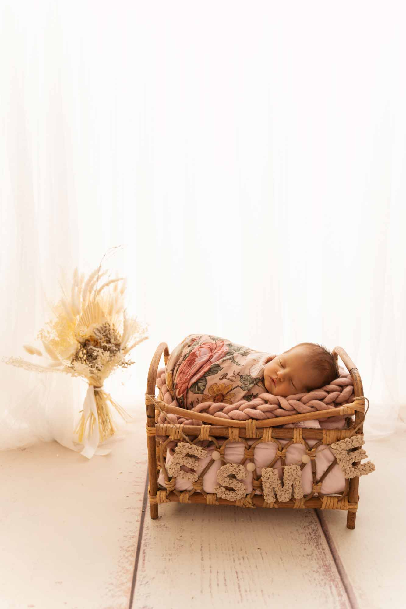 Newborn Photography by Canvas and Peach-28