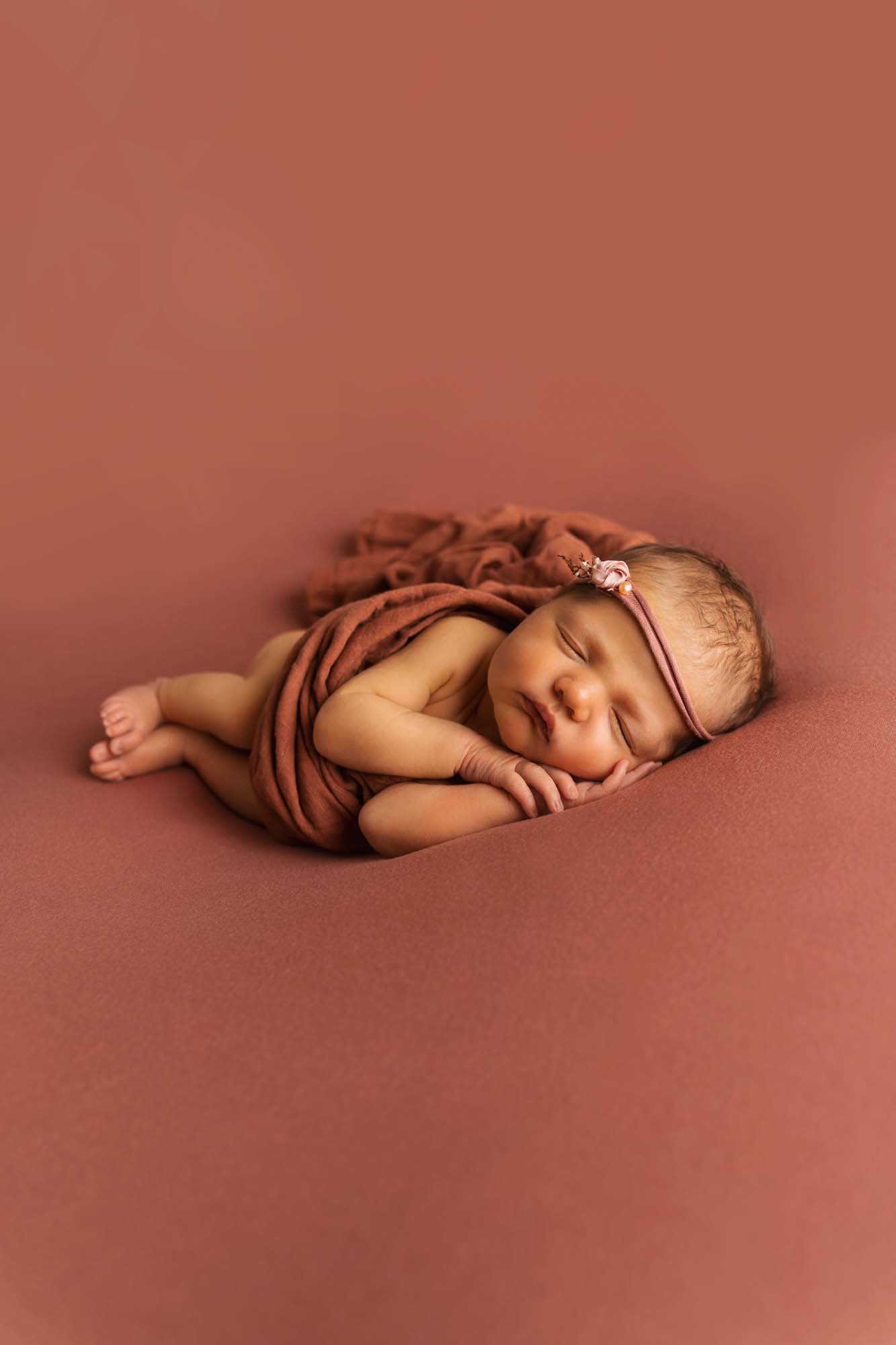 Newborn Photography by Canvas and Peach-29