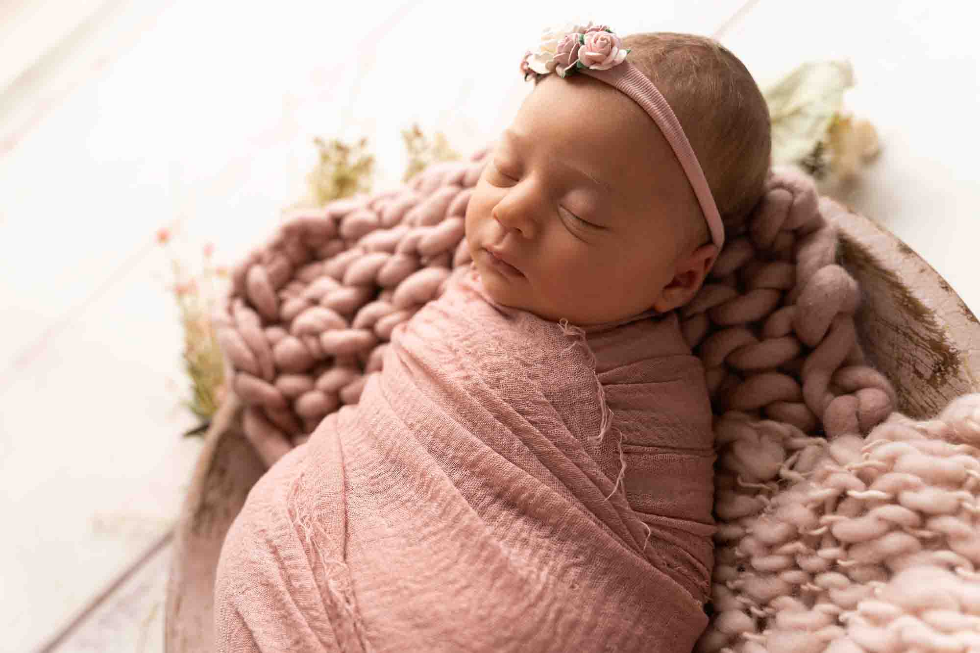 Newborn Photography by Canvas and Peach-3